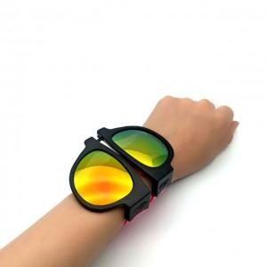 https://www.dlsunglasses.com/dlc9022-slap-wristband-sunglasses-product/